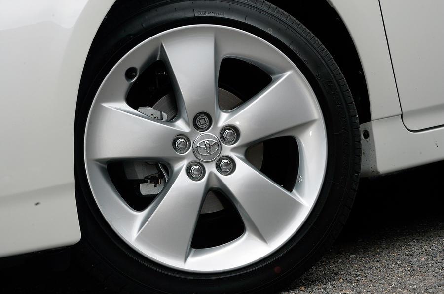 17in Toyota Prius alloy wheels