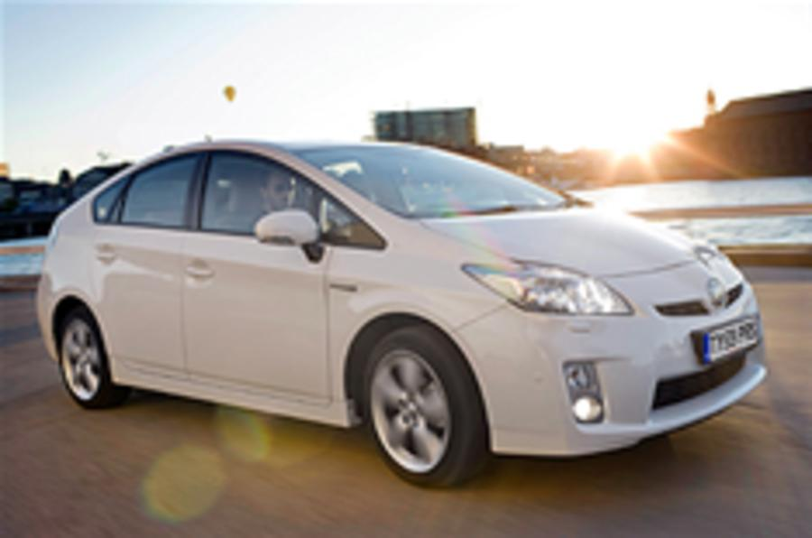 Prius records strong Japan sales