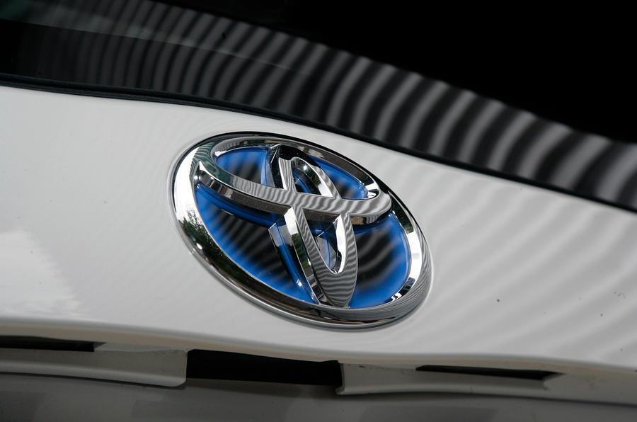 Toyota hybrid badging