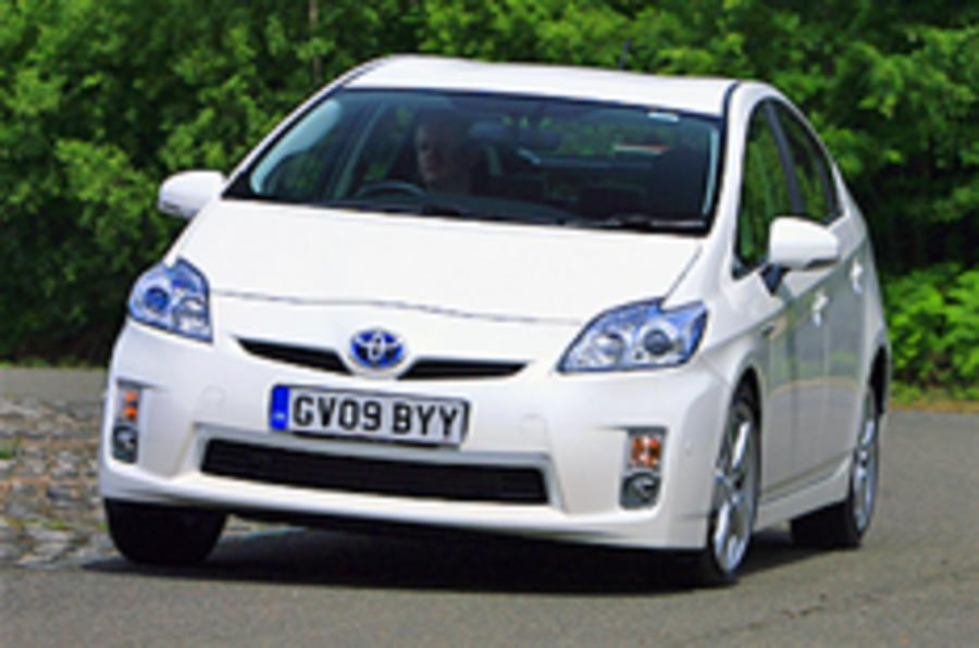 Prius boosts Japan's hybrid sales