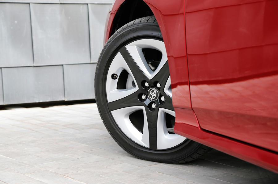 15in two-tone Toyota Prius alloys