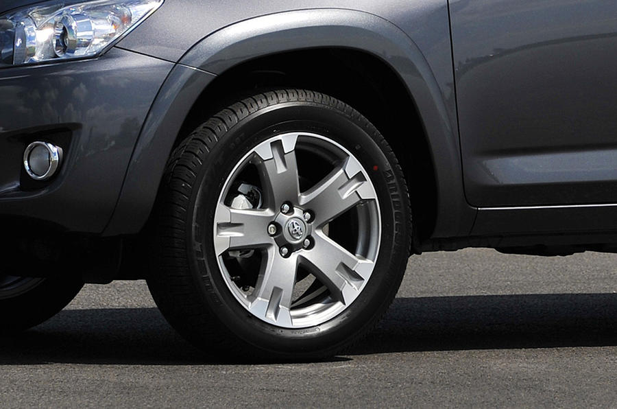 17in Toyota RAV4 alloy wheels