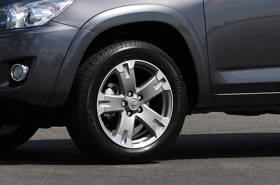 17in Toyota RAV4 alloy wheels