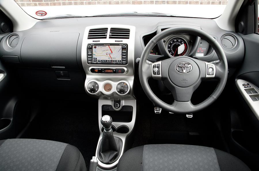 Toyota Urban Cruiser dashboard