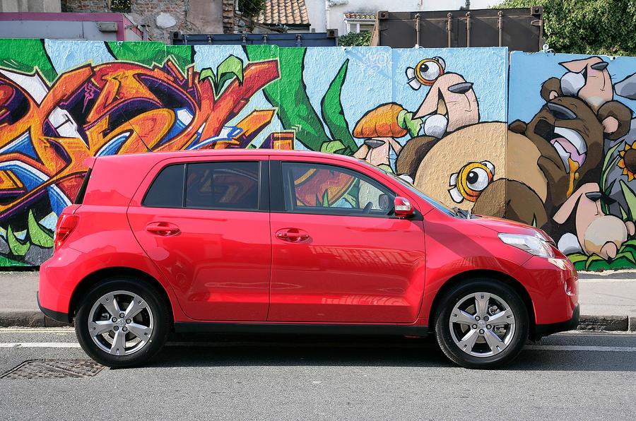 Toyota Urban Cruiser side profile