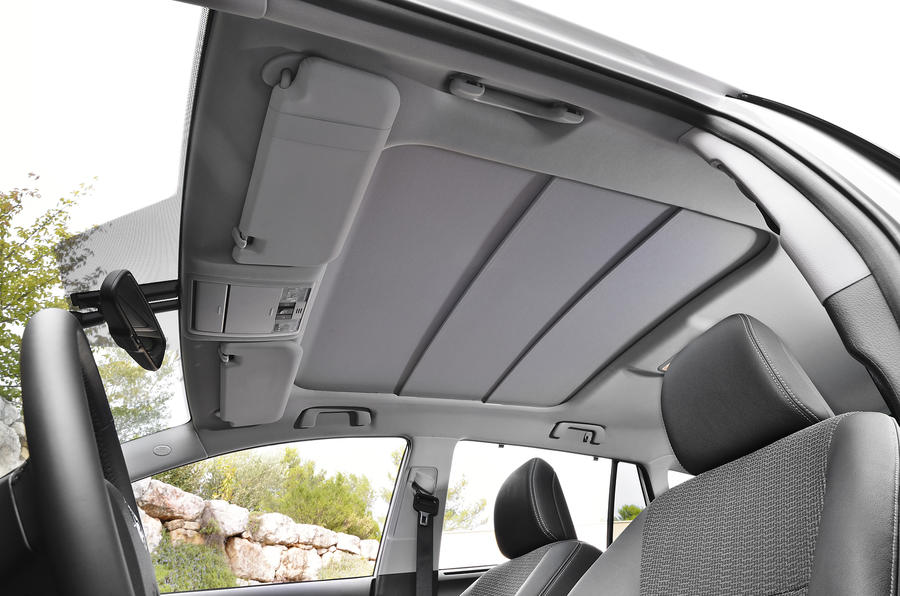 Toyota Verso roof lining