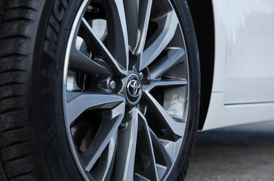 Toyota Verso alloy wheels