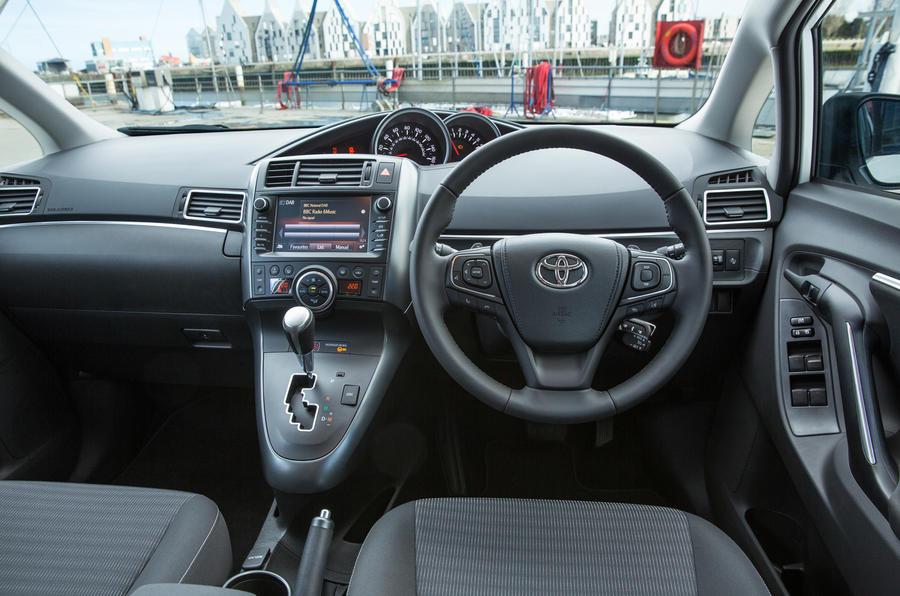 Toyota Verso dashboard