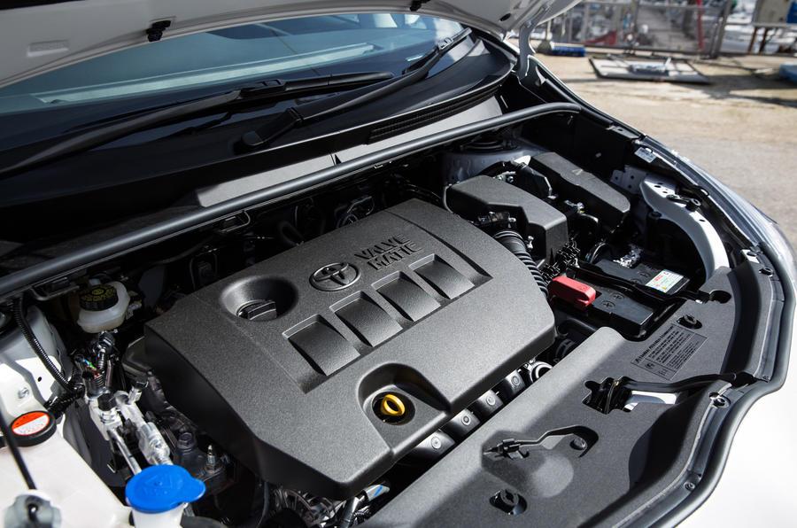 Toyota Verso engine bay