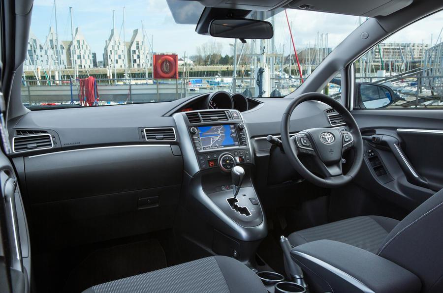 Toyota Verso interior