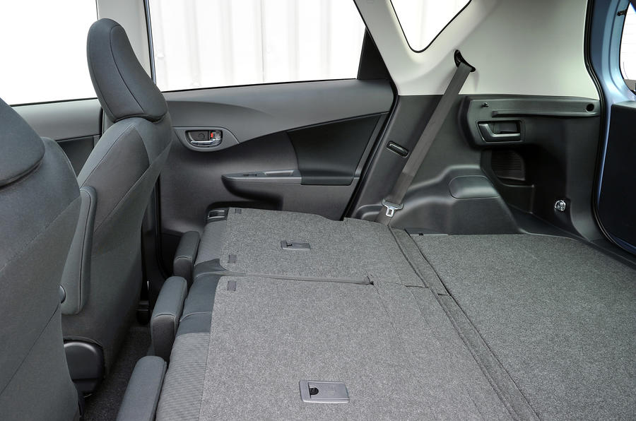 Toyota Verso-S seat flexibility