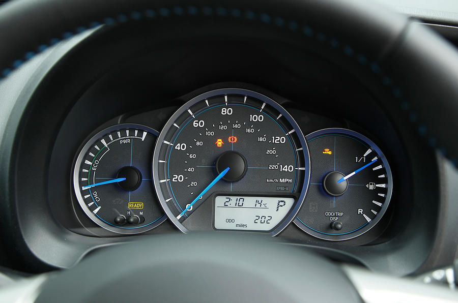 Toyota Prius C Aqua also Kia Niro Touring Ecohybrid Dashboard furthermore Toyota Auris Estate Hyb furthermore Toyota Prius Plug In Hybrid likewise C Cee D C. on toyota prius electric motor