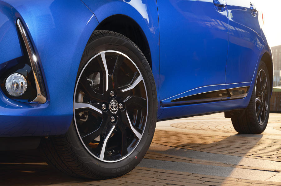 Toyota Yaris Hybrid alloy wheels