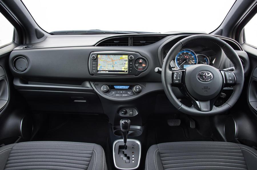 Toyota Prius Hybrid >> Toyota Yaris Hybrid Review (2017) | Autocar
