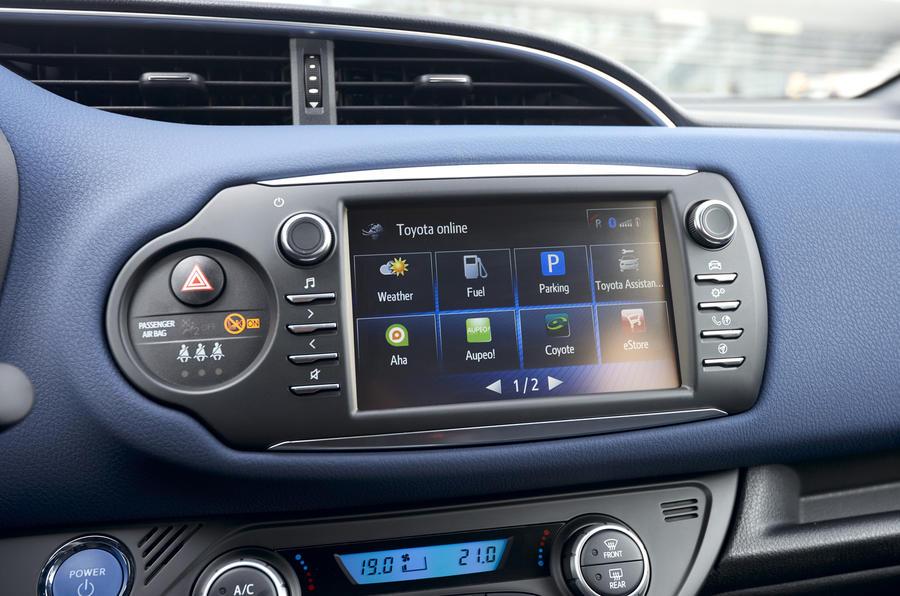Toyota Yaris Hybrid infotainment system