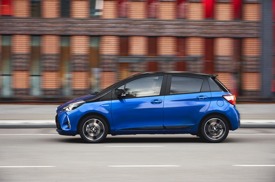 Toyota Yaris Hybrid side profile