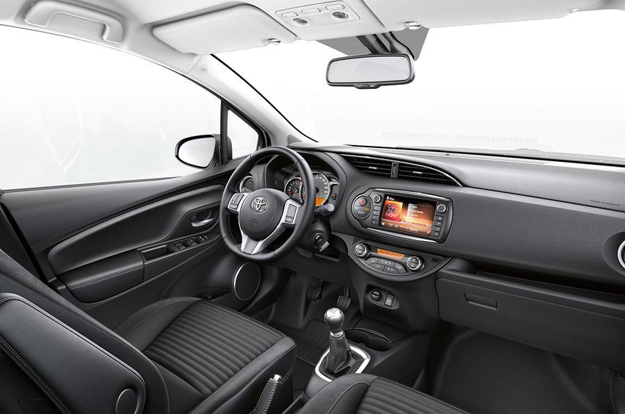 Toyota Yaris 1.33 VVT-i Icon interior