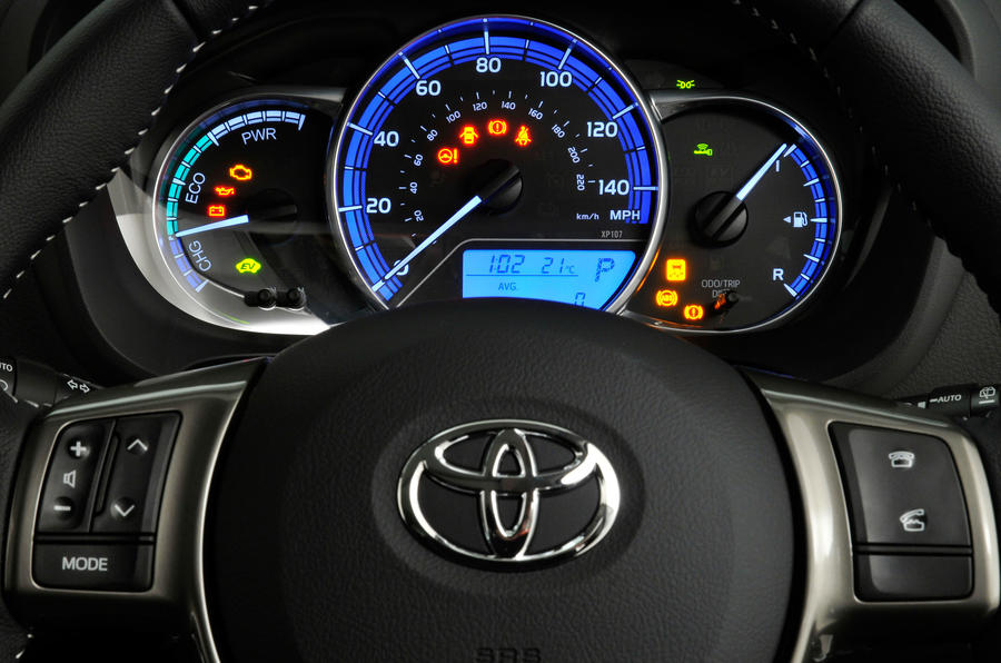 Toyota Yaris instrument cluster
