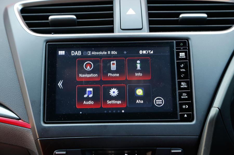 Honda Civic Type-R infotainment screen