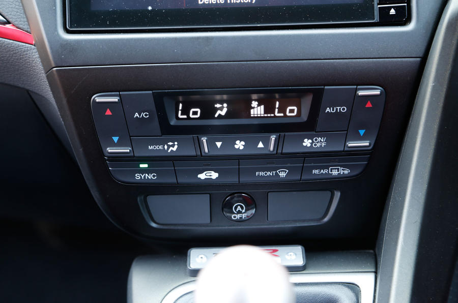 Honda Civic Type-R climate controls