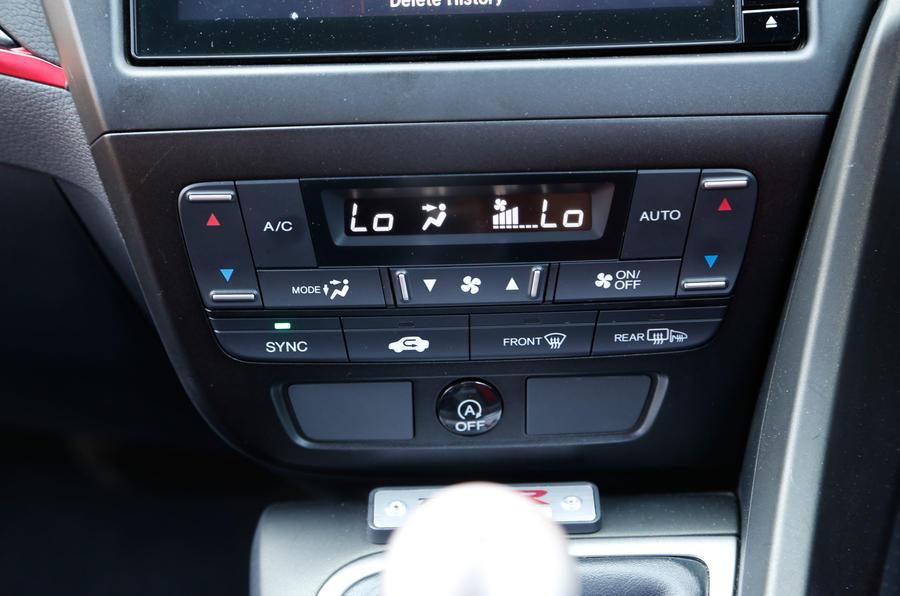 Honda Civic Type-R climate controls
