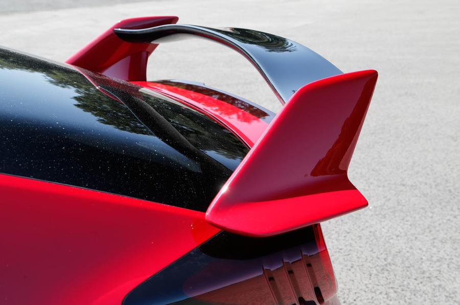 Honda Civic Type-R rear wing