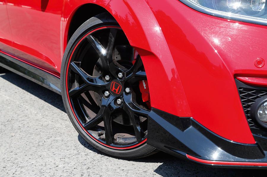 Honda Civic Type-R 19in alloys
