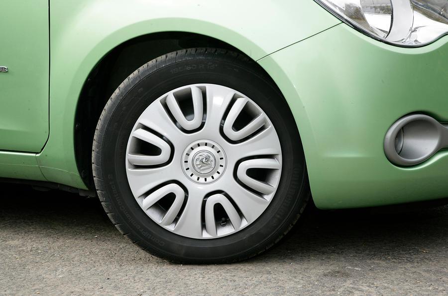 Vauxhall Agila plastic wheel trim