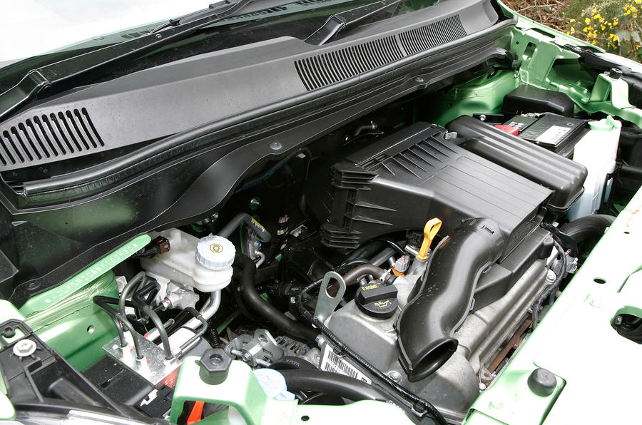 Vauxhall Agila engine bay