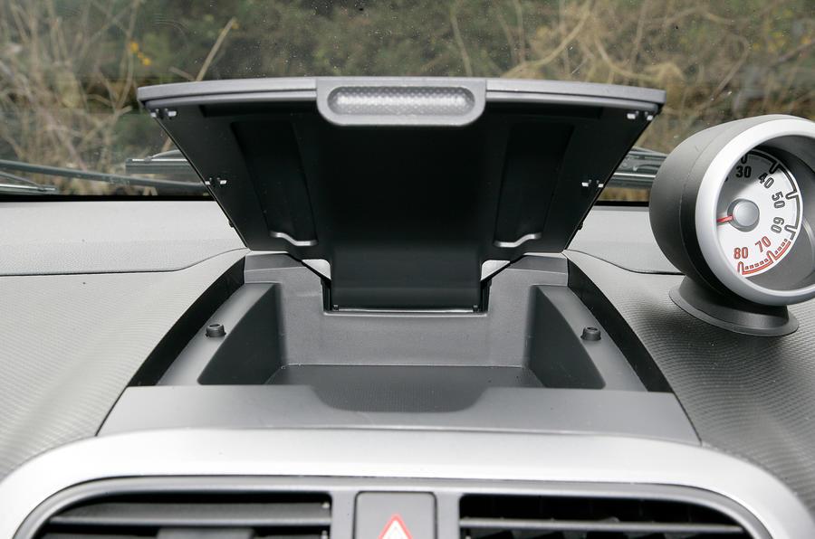 Vauxhall Agila cubby hole