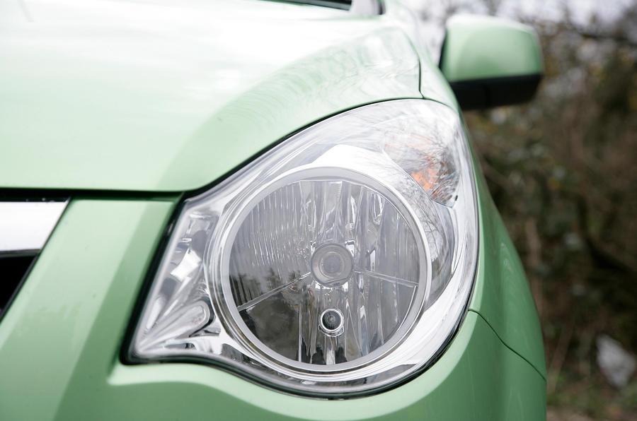 Vauxhall Agila headlight