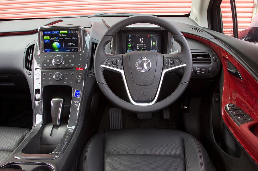 Vauxhall Ampera dashboard