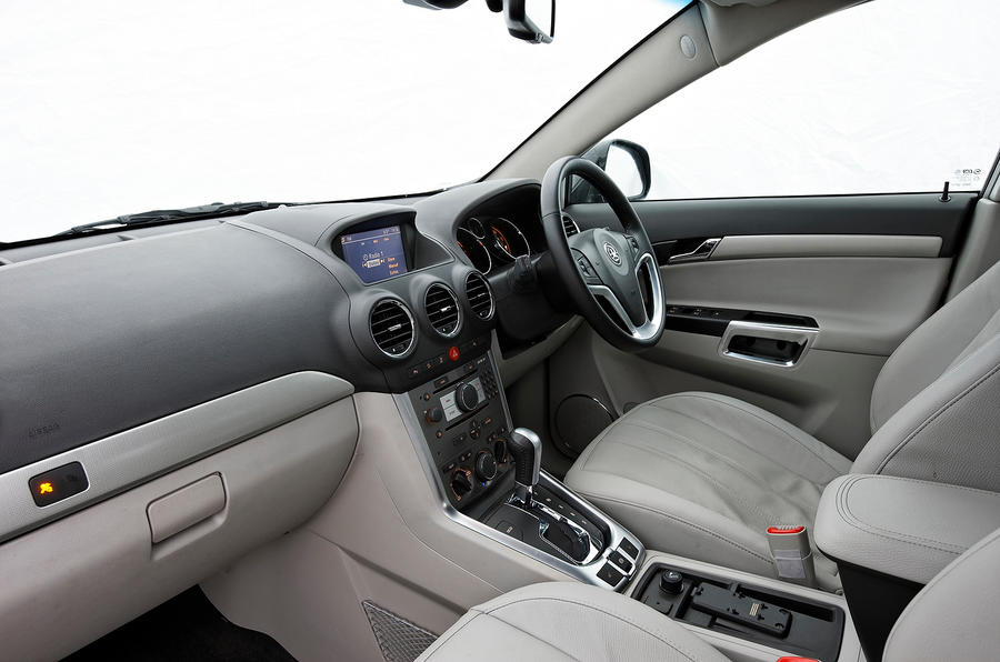 Vauxhall Antara interior