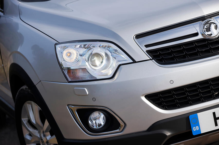 Vauxhall Antara headlight and foglight