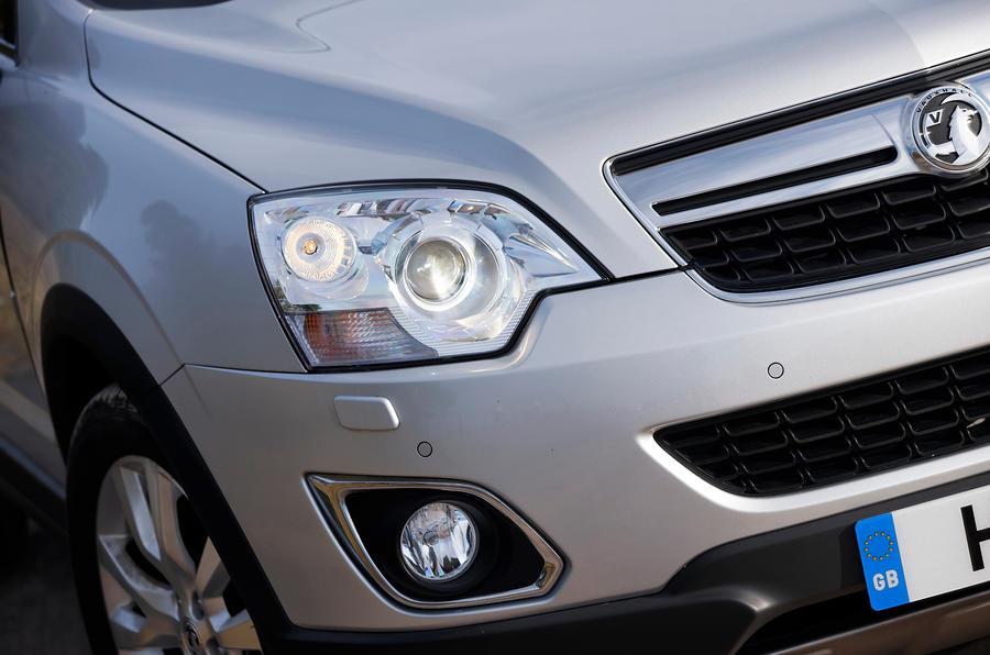 Vauxhall Antara headlight and foglight