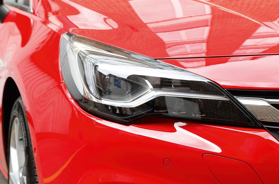 Vauxhall Astra LED headlights