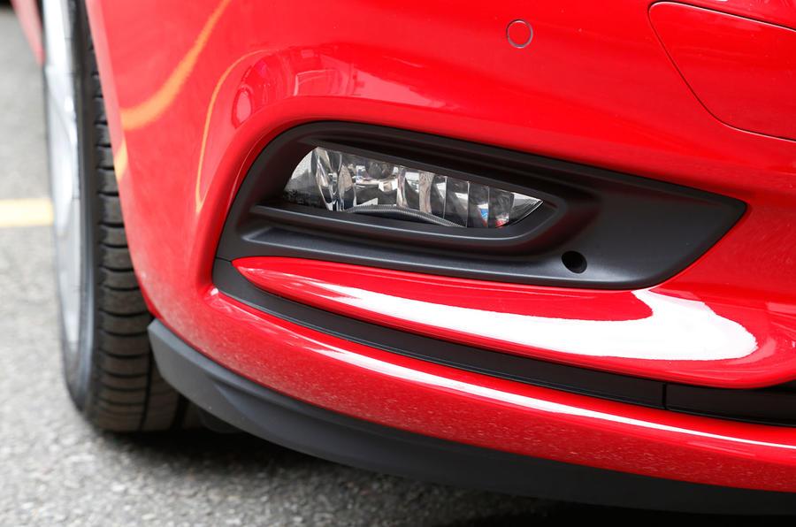 Vauxhall Astra foglights