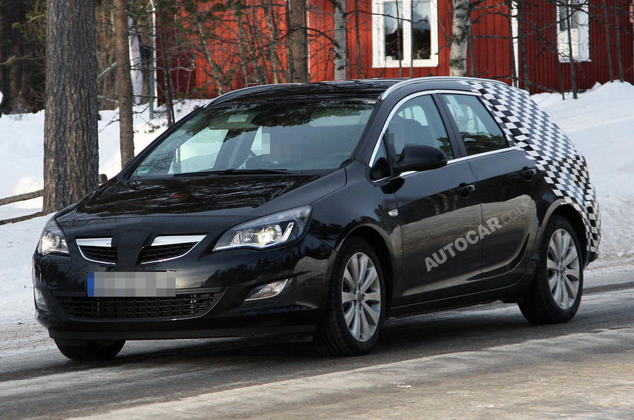 New Vauxhall Astra ST spied