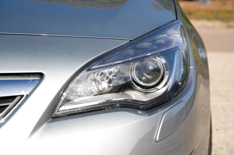 Vauxhall Astra xenon headlights