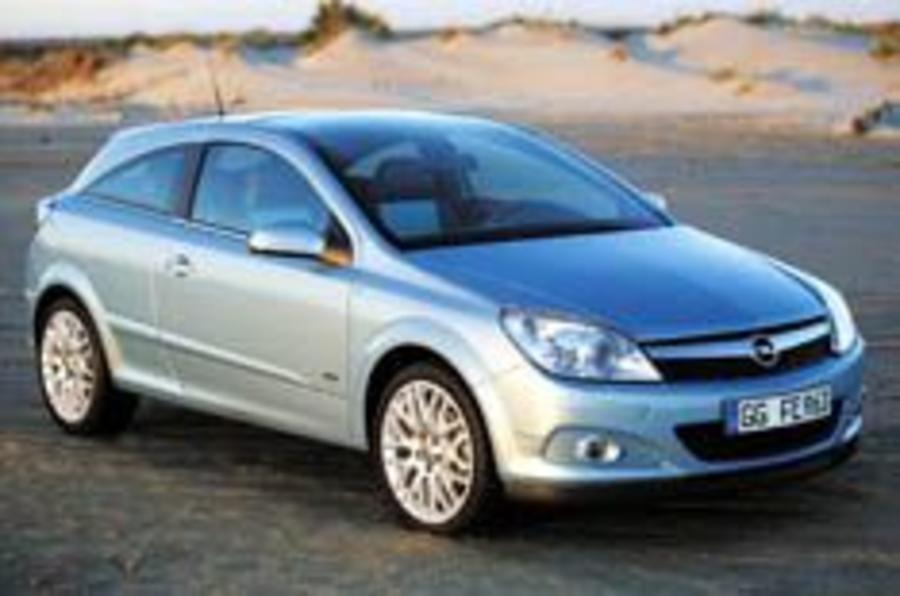 60mpg for GM's new hybrid Astra