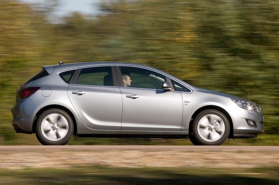 Vauxhall Astra side profile