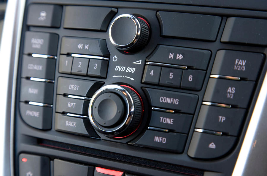 Vauxhall Astra centre console