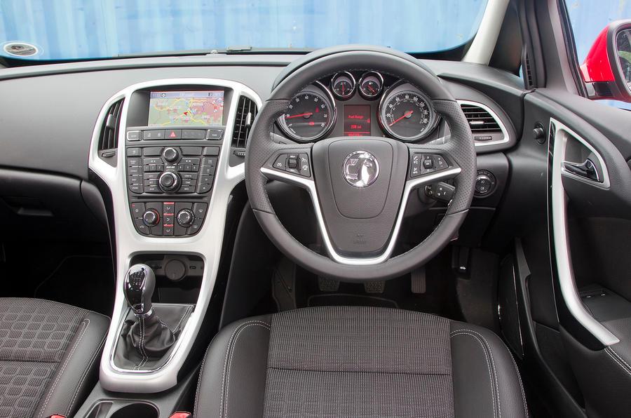 Vauxhall Astra GTC dashboard