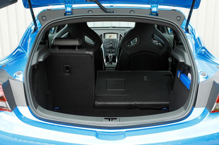 Vauxhall GTC VXR boot space