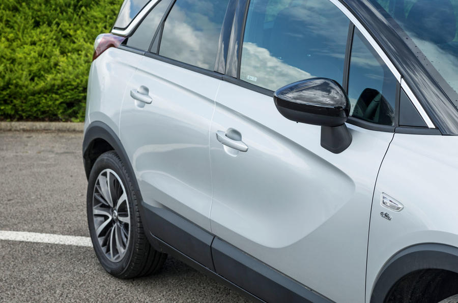 Vauxhall Crossland X side panel