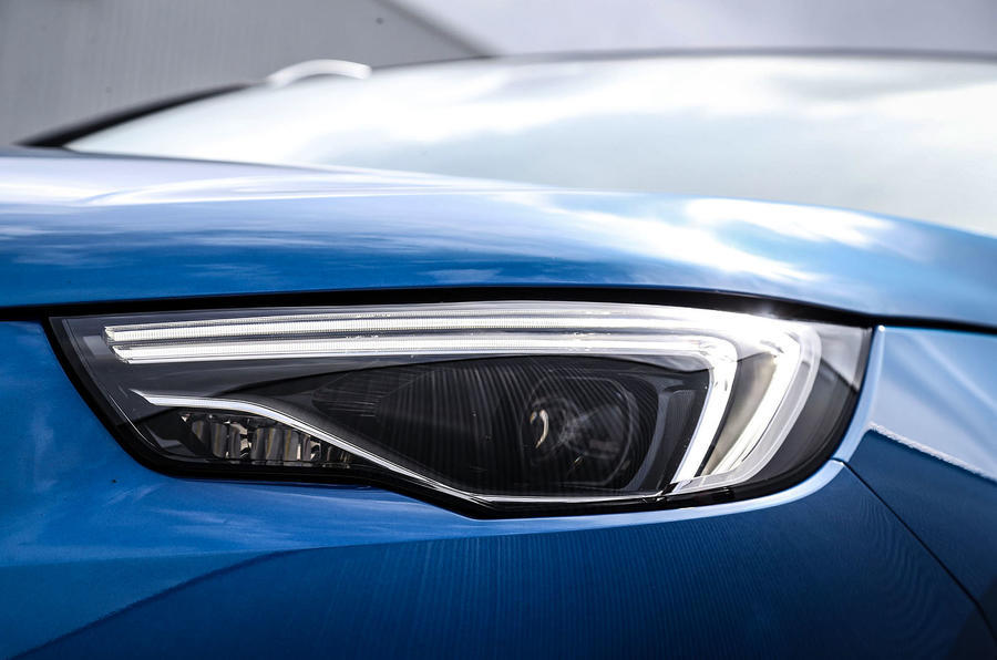 Vauxhall Grandland X LED headlights