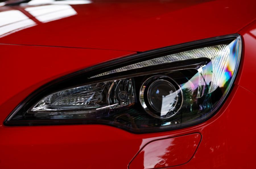 Vauxhall GTC headlights