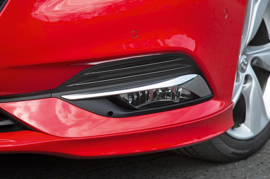 Vauxhall Insignia Grand Sport foglights