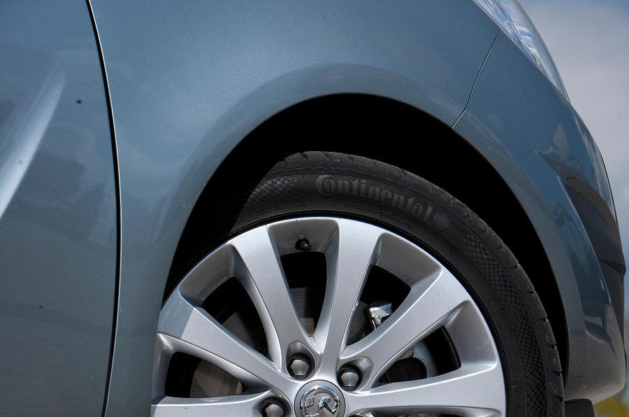 16in Vauxhall Meriva alloy wheels
