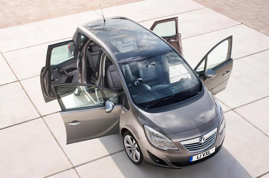 Vauxhall Meriva interior: first pics